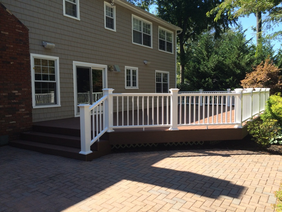 Edison, NJ - Azek XLM composite deck boards with Azek Premier vinyl railings done by Valiant!
