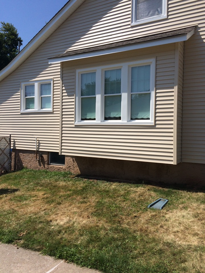 Woodbridge Township, NJ - Aged wood or aluminum siding that is peeling and mold ridden. Replace with new Certainteed solid vinyl siding by Valiant Home Remodelers!