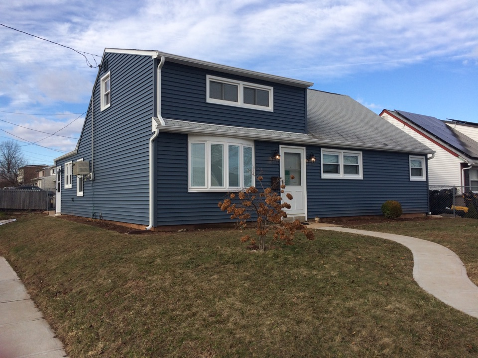 Carteret, NJ - Brand new Certainteed Vinyl Siding installed by Valiant Home Remodelers!