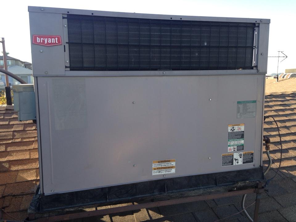 Monterey Park, CA - Repairs on Bryant package roof top unit