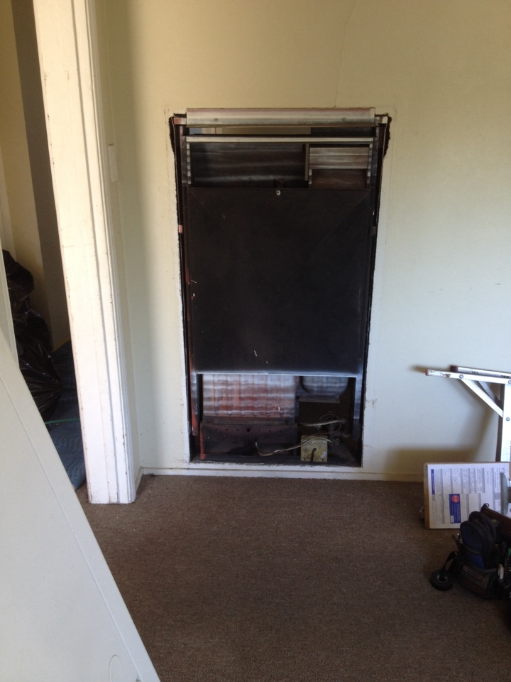 Monterey Park, CA - Troubleshooting wall furnace