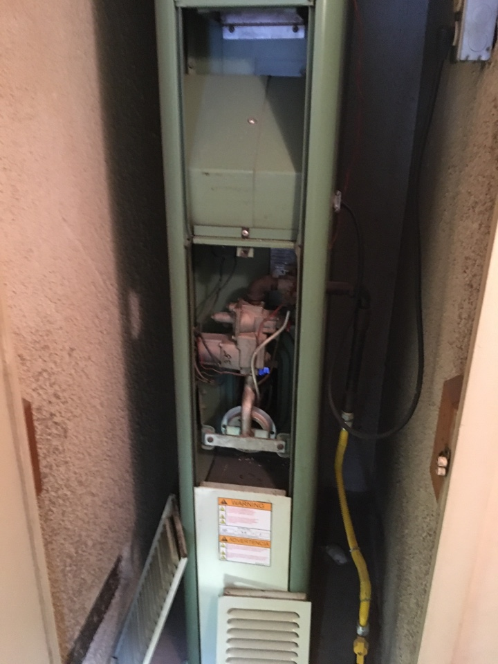 Monrovia, CA - Service furnace