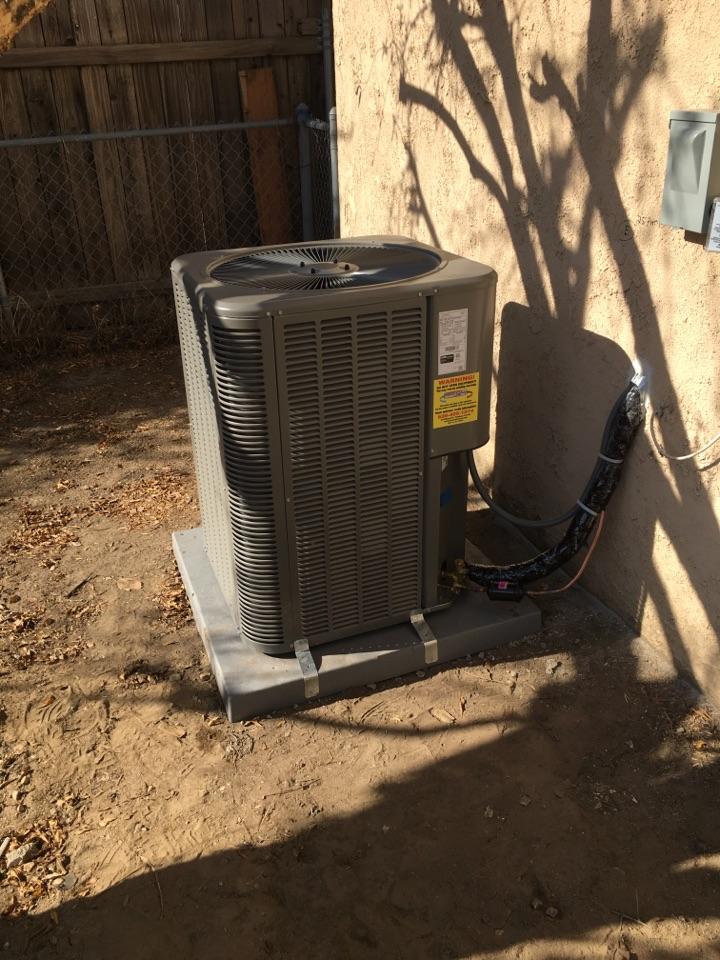 Rosemead, CA - Doing a 2 1/2 ton Lennox split system
