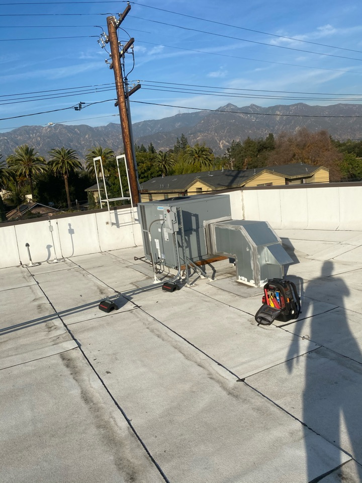 Pasadena, CA - Perform preventative maintenance on daikon heating and air conditioning system