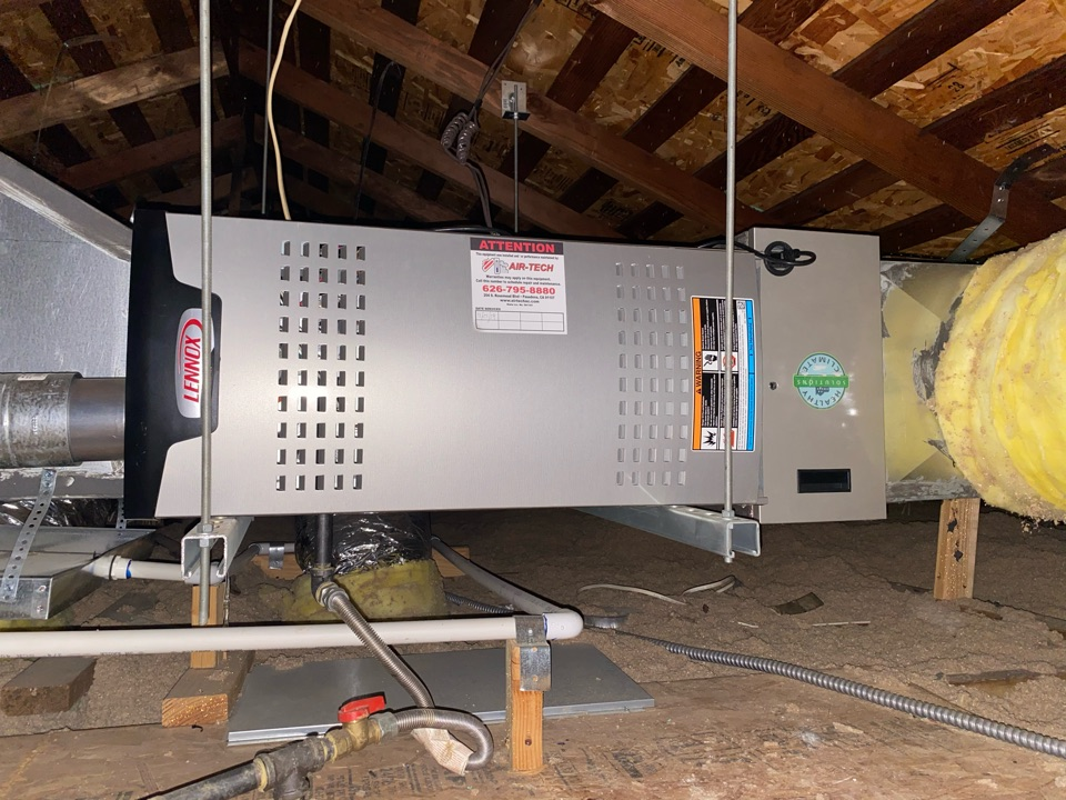 Pasadena, CA - Perform preventative maintenance on Lennox heating and air conditioning system