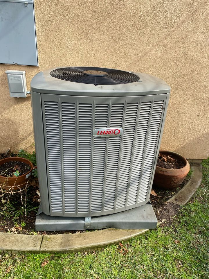 Alhambra, CA - Perform preventative maintenance on Lennox heating and air conditioning system