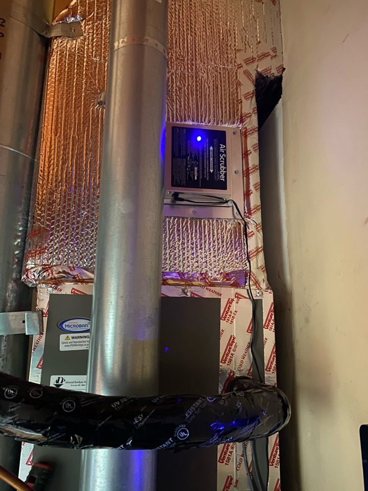 Los Angeles, CA - Installed air scrubber on Lennox heating and air conditioning system