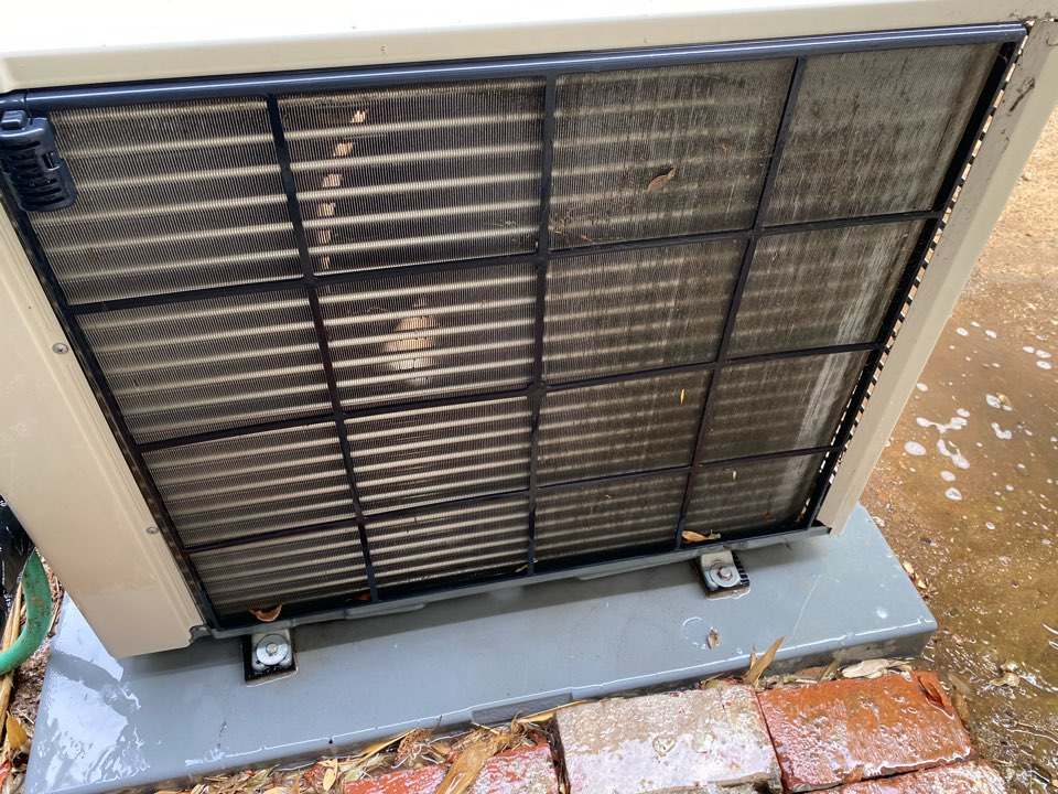 Los Angeles, CA - Serviced Mitsubishi heating and air conditioning system