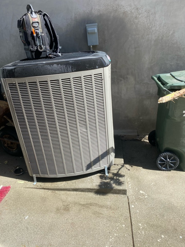 Arcadia, CA - Performed preventative maintenance on Lennox heating and air conditioning system