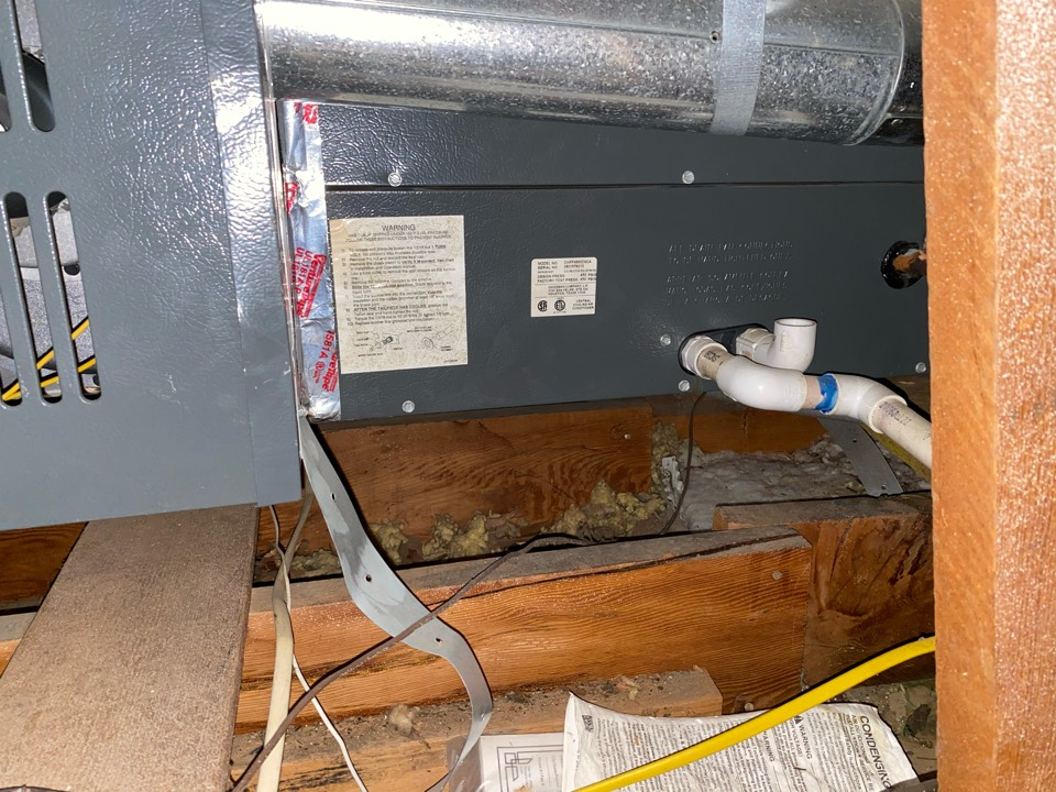 Altadena, CA - Serviced Goodman heating and air conditioning system