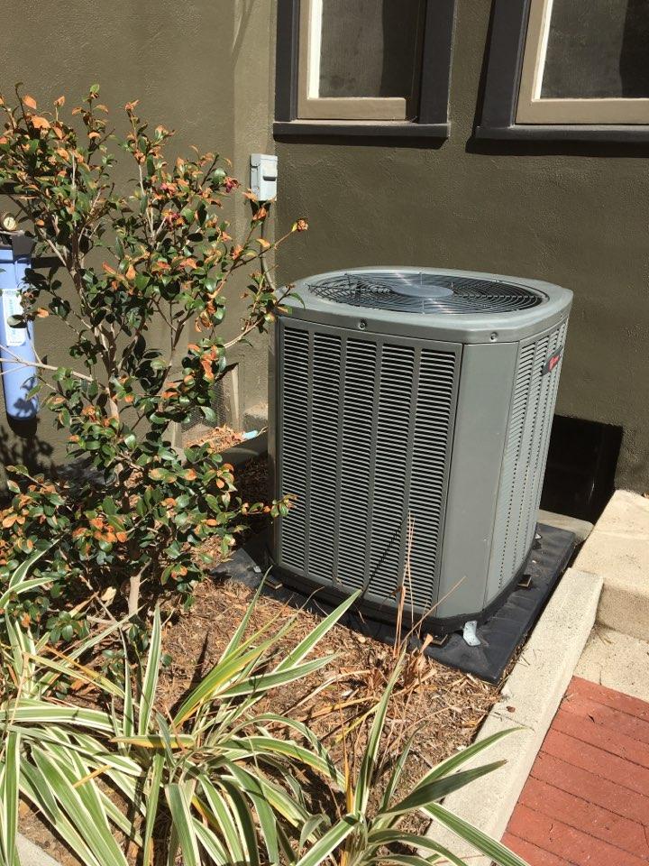 Altadena, CA - Maintenance Trane Split System