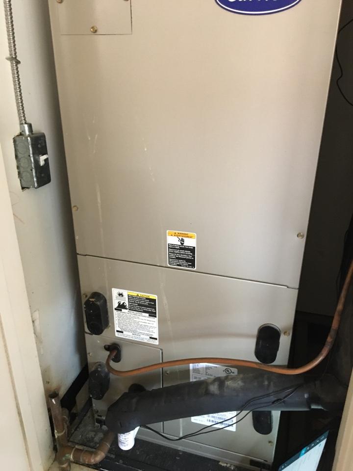 Los Angeles, CA - Maintenance Carrier Heat Pump Split System