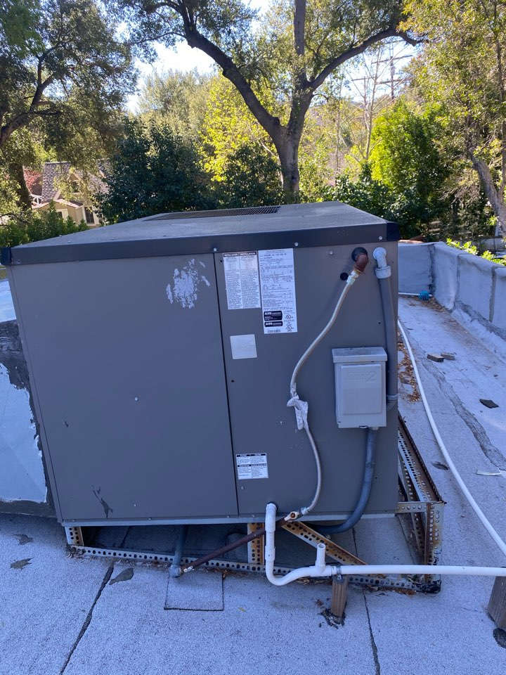 Los Angeles, CA - Perform preventative maintenance on Lennox heating and air conditioning system