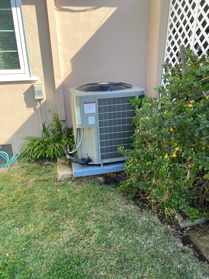 Arcadia, CA - Perform preventative maintenance on Bryant heating and air conditioning system