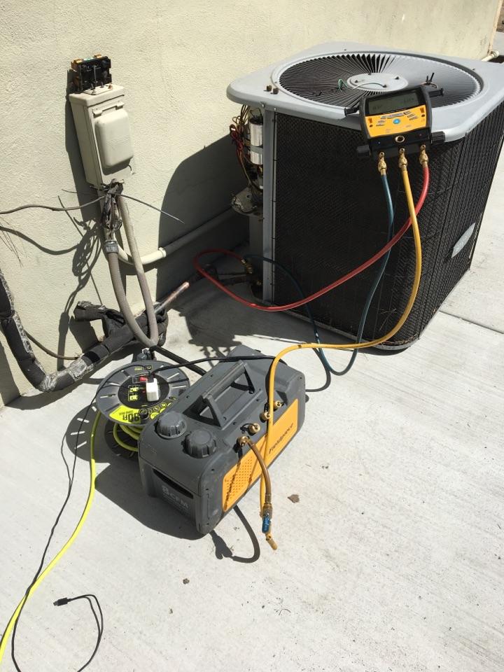 Monrovia, CA - Reconnect condenser