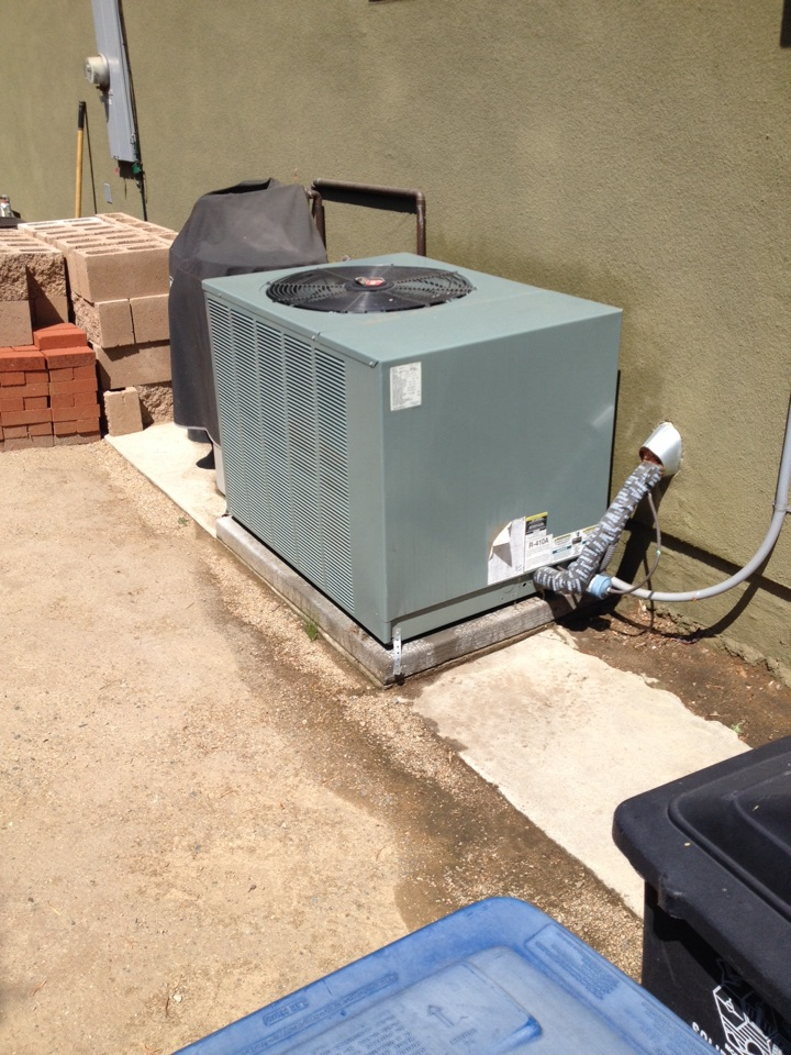 Burbank, CA - Preventive maintenance on both Rheem and Mitsubishi split systems