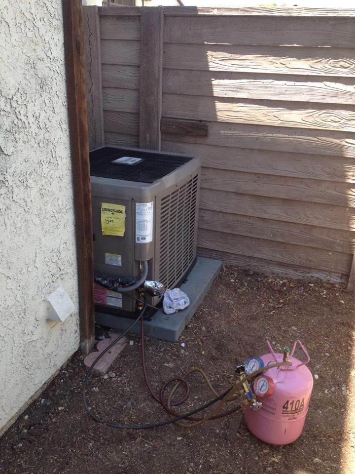 Glendora, CA - Charging a YORK 21/2 ton 410A condenser