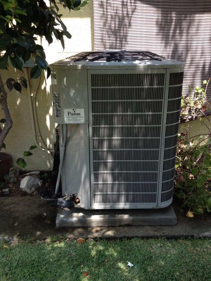 Rosemead, CA - Leak detection on braynt air conditioner