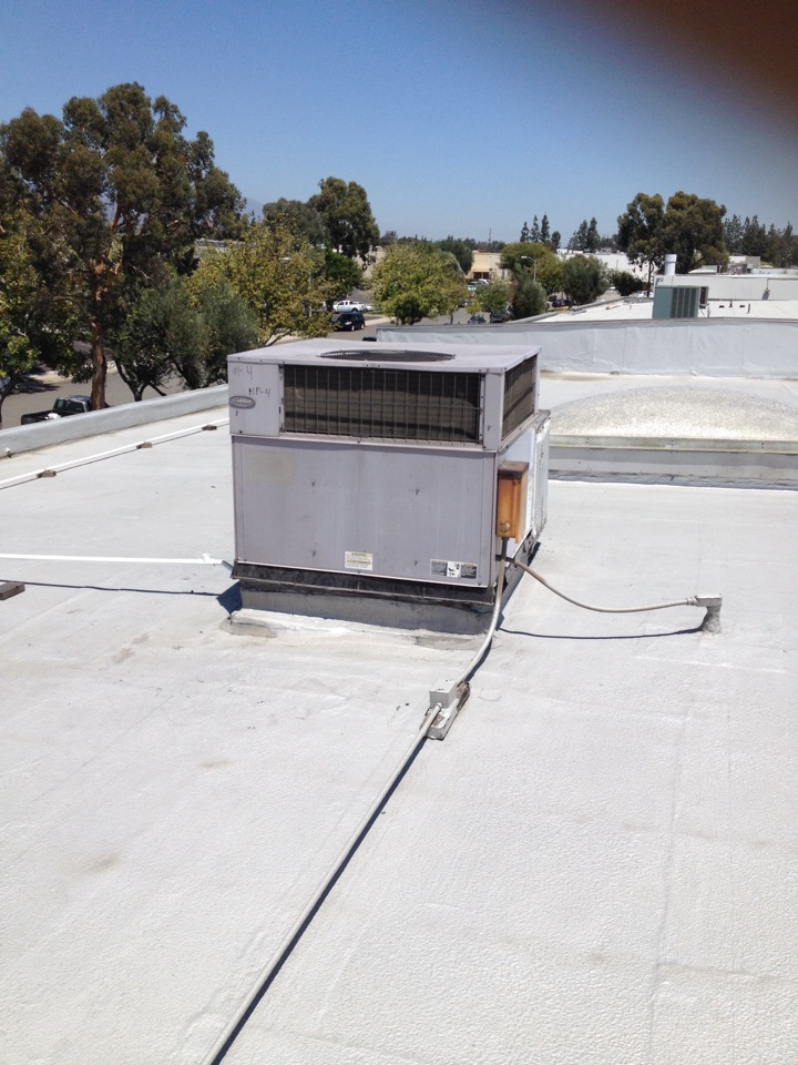 San Dimas, CA - Troubleshooting carrier rooftop package unit not cooling