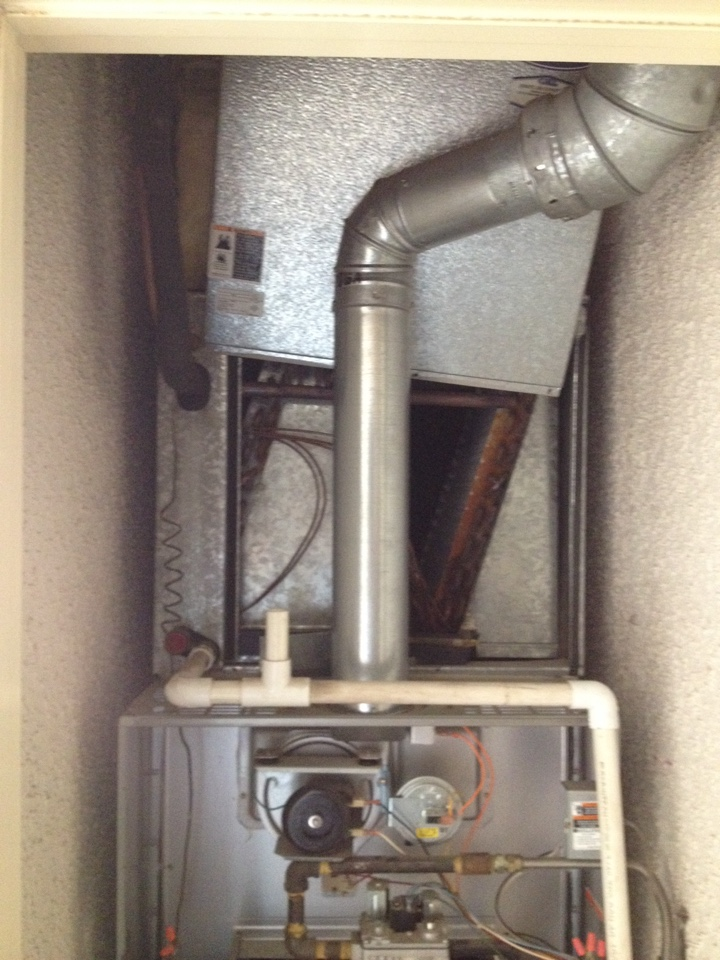 Brea, CA - Troubleshooting carrier unit with leak