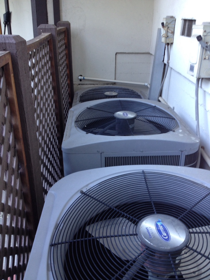 Claremont, CA - Replace compressor fan motor on Bryant air conditioner