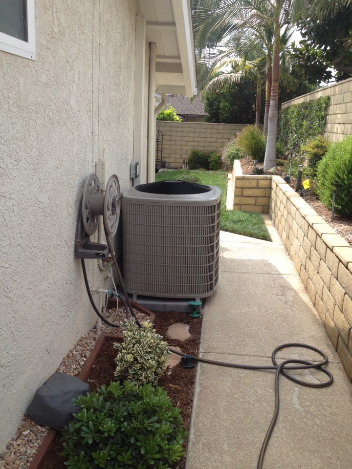 Glendora, CA - Troubleshooting Bryant evolution series system with communication