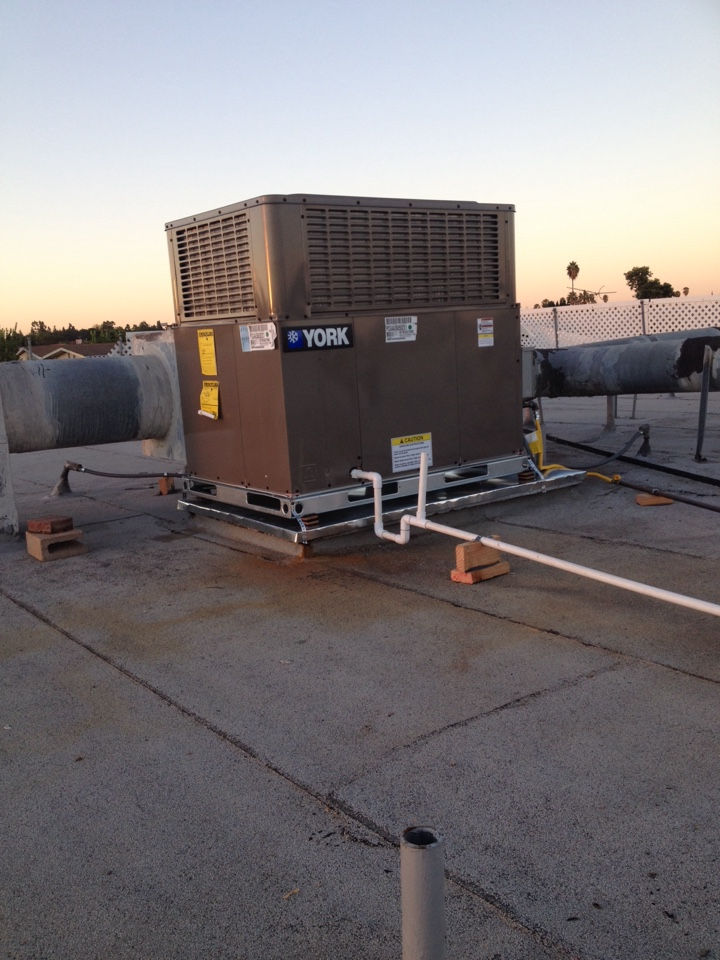 Santa Ana, CA - Troubleshooting york package unit not heating