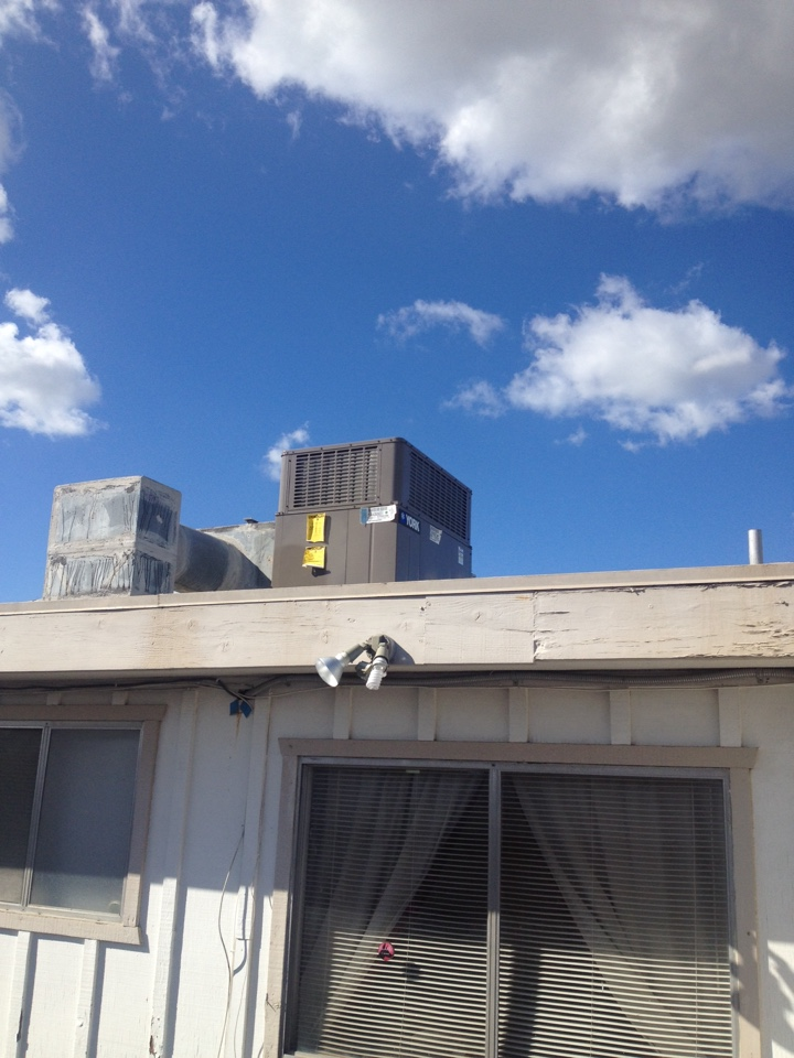 Santa Ana, CA - Troubleshooting York rooftop package unit not heating