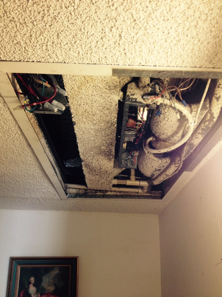 San Dimas, CA - Troubleshooting ceiling cassette now electric strip unit