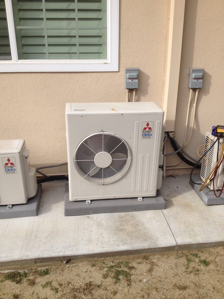 Monterey Park, CA - Troubleshooting Mitsubishi ductless mini split system