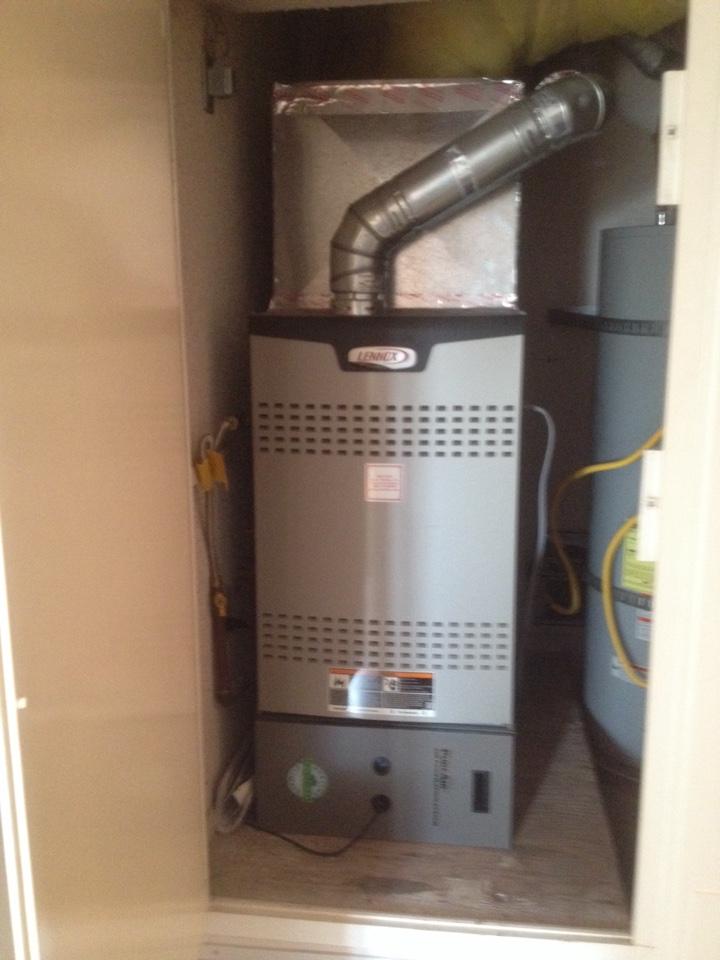 Torrance, CA - Performing maintenance service on Lennix furnace