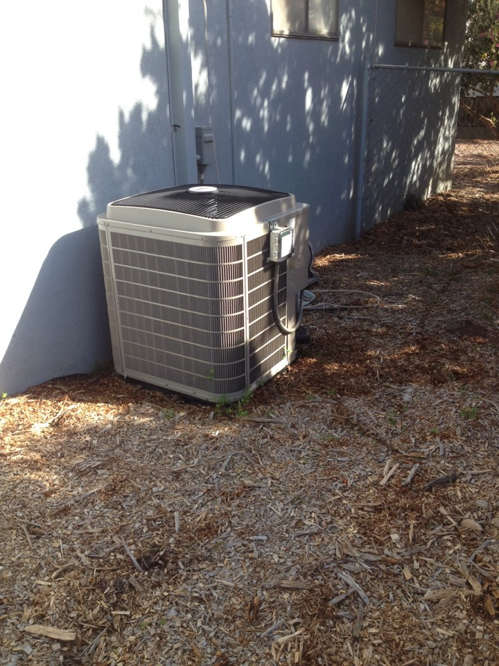 Duarte, CA - Maintenance service on Bryant heating and air conditioning system