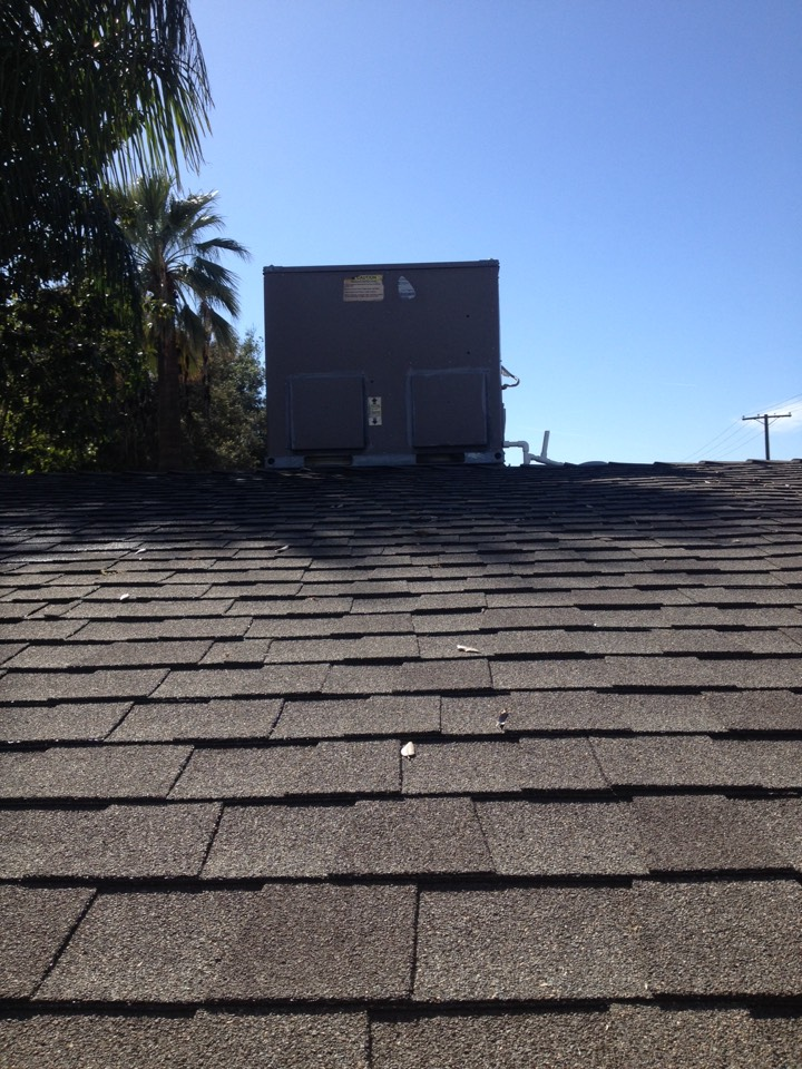 Azusa, CA - Maintenance service on York package unit