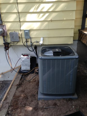 Delta, MI - Installation of a new Energi Air Elite air conditioning central air system.