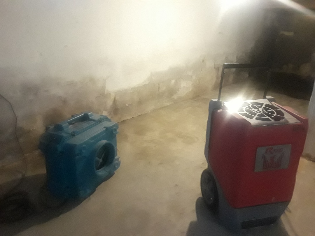 Grand Rapids, MI - I set up an air scrubber and dehumidifier to dry out an unfinished basement