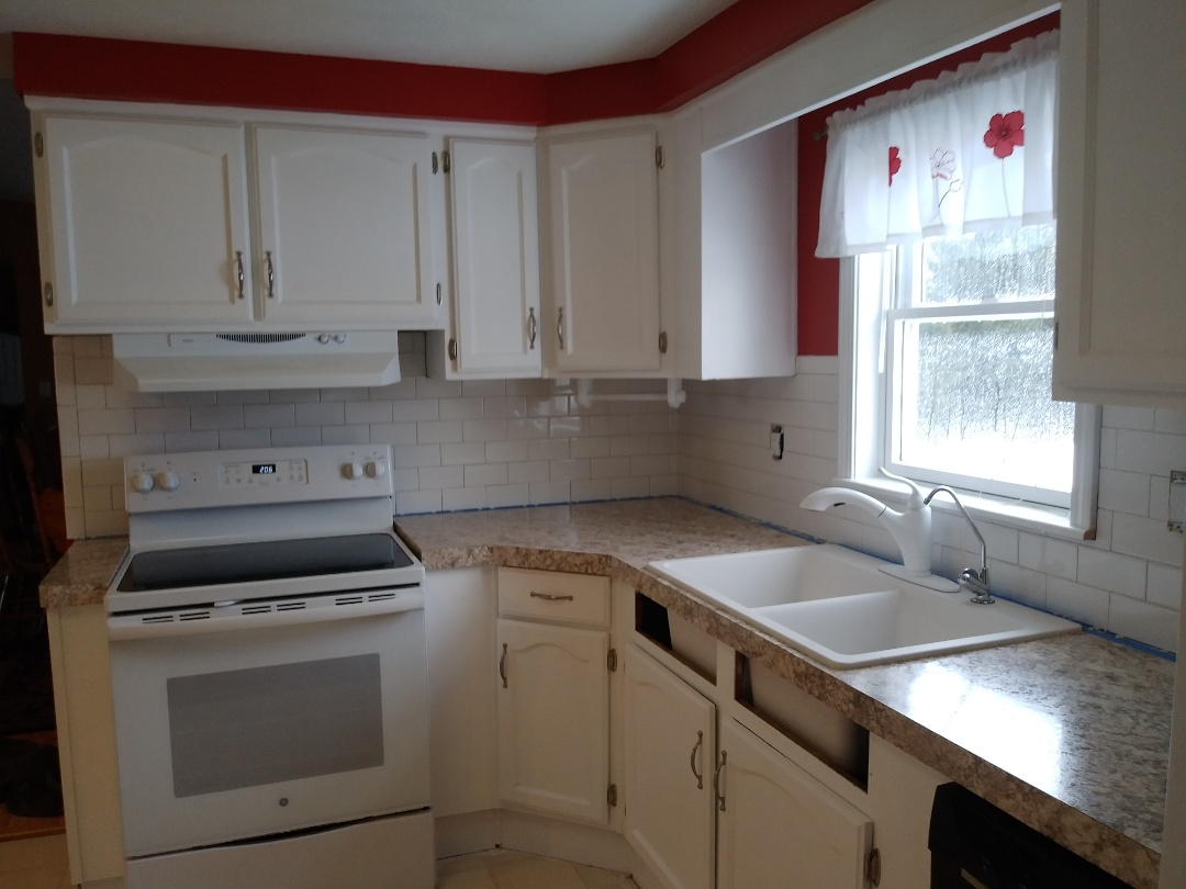 Middleville, MI - Finished laying the tile backsplash