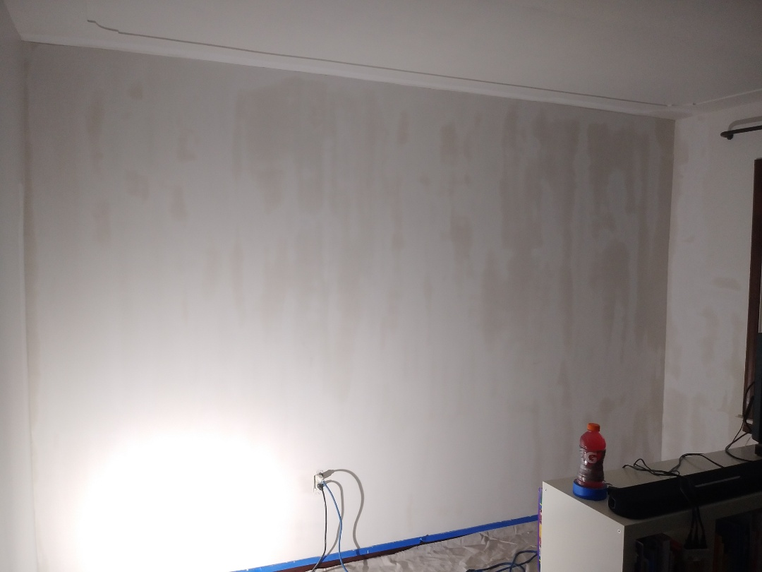 Grand Rapids, MI - Just finished skim coating a cracked and crazed wall.