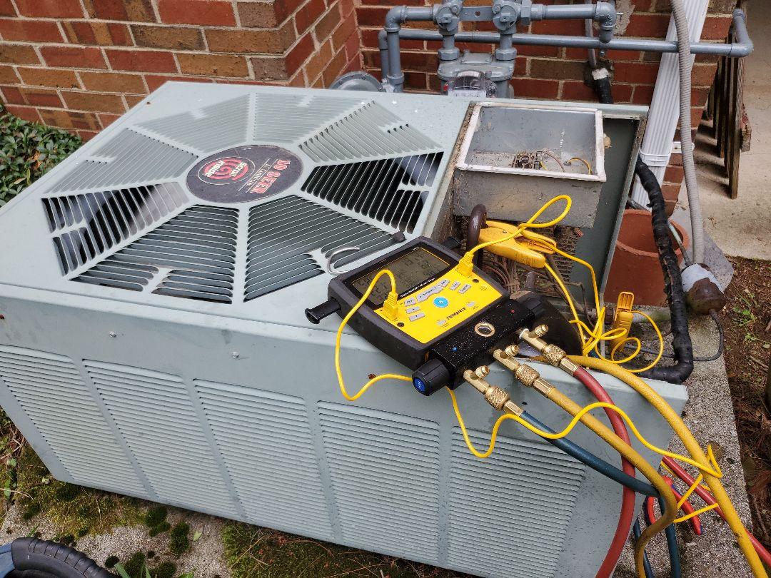 Salem, VA - Checking refrigerant