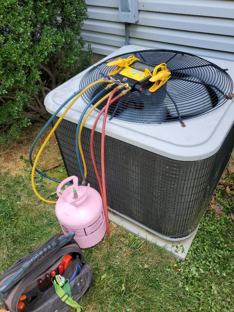 Blue Ridge, VA - Adding refrigerant