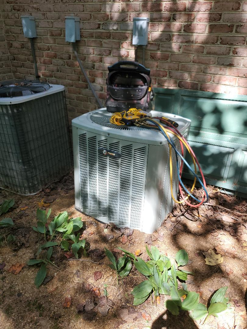 Roanoke, VA - Condenser leak