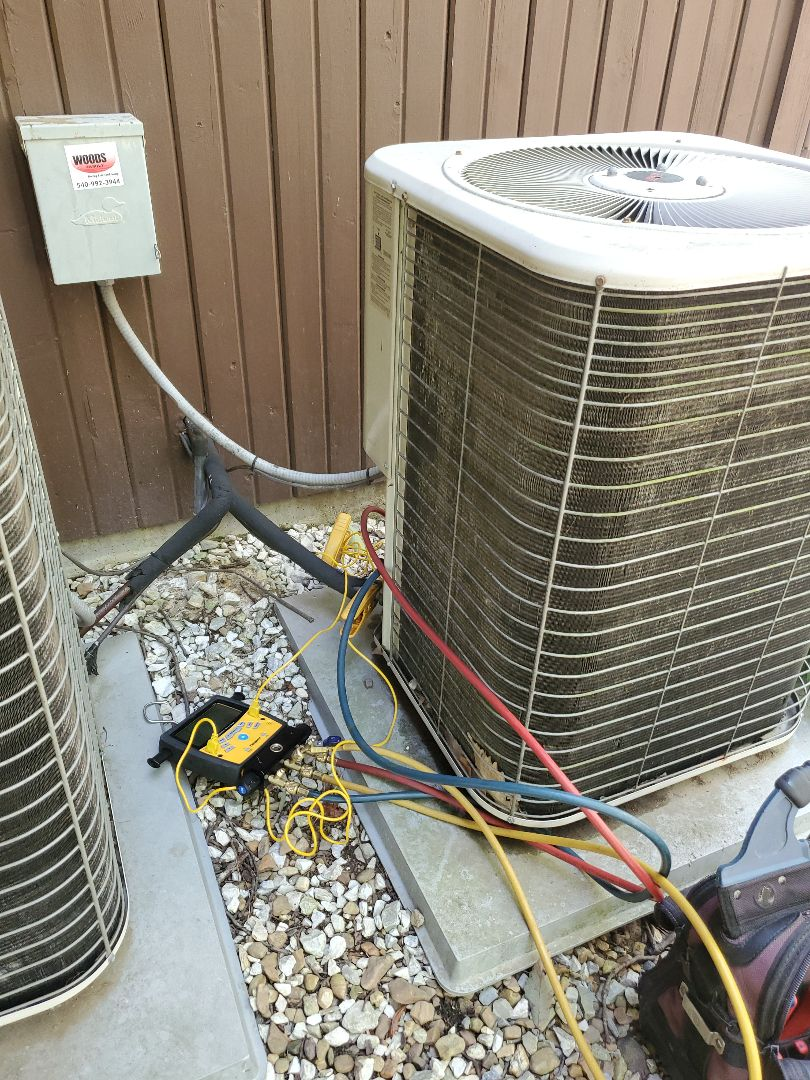 Roanoke, VA - Balancing refrigerant charge