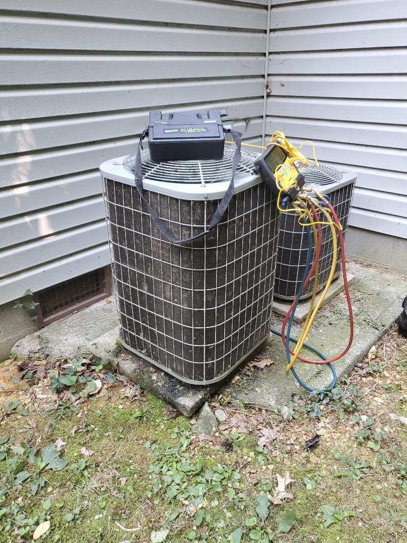 Roanoke, VA - Refrigerant leak