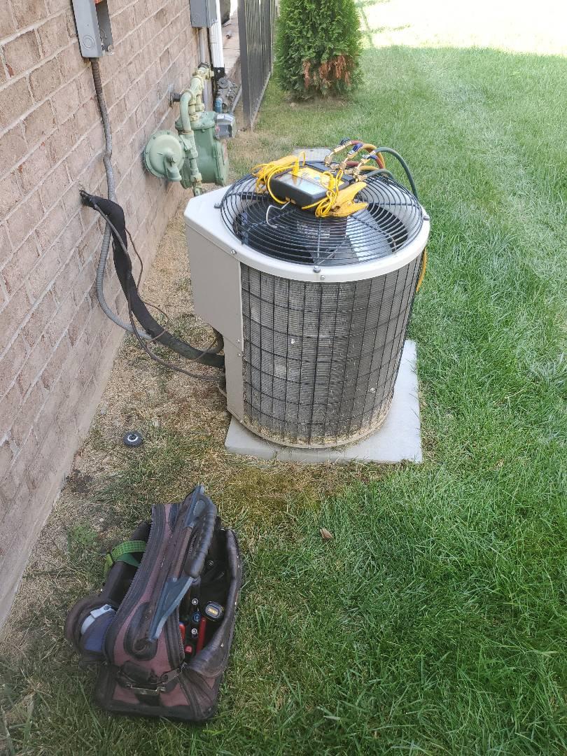 Salem, VA - Refrigerant leak