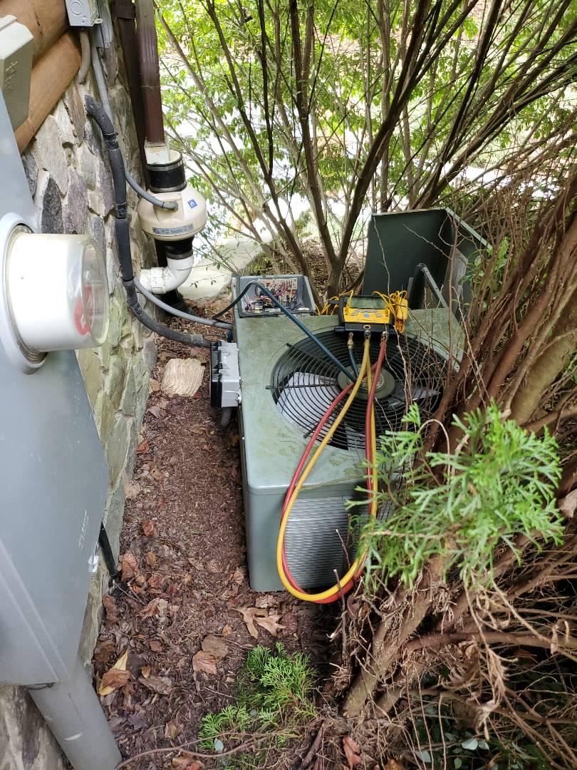 Buchanan, VA - Refrigerant charge