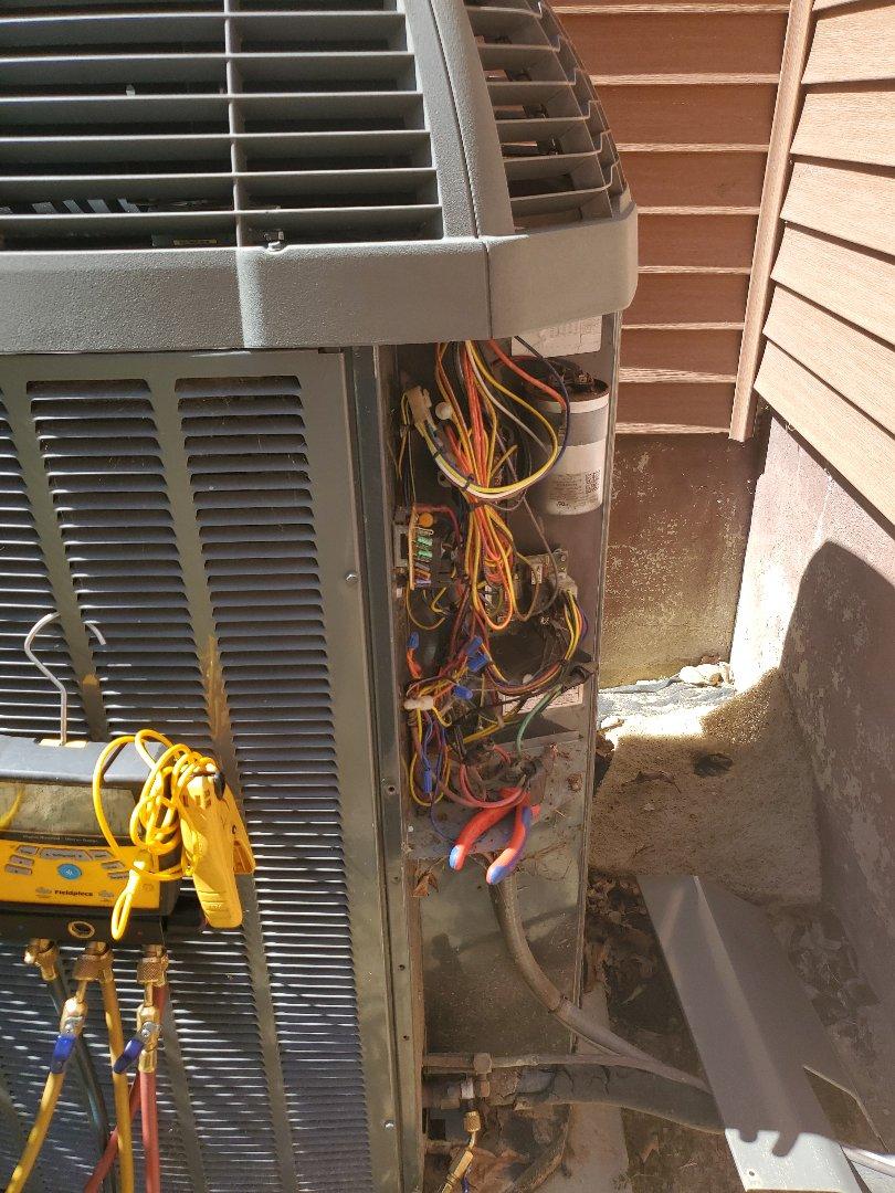 Salem, VA - Bad capacitor