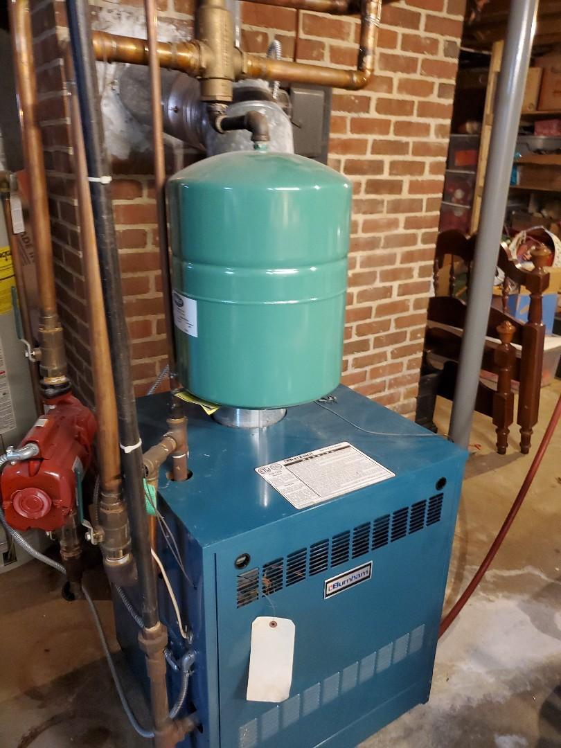 Boones Mill, VA - Bleeding radiator