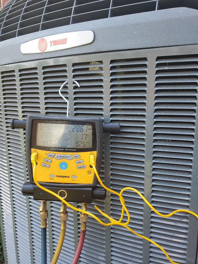 Buchanan, VA - Adding refrigerant