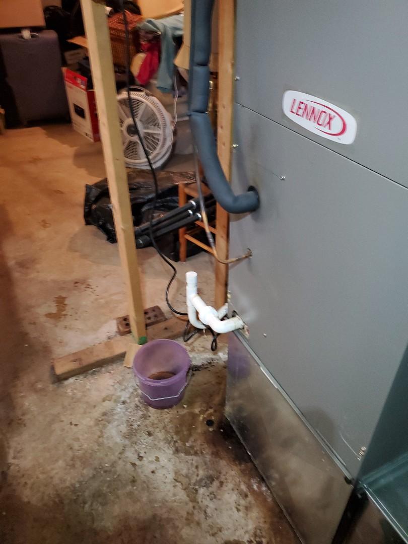 Roanoke, VA - Water leak