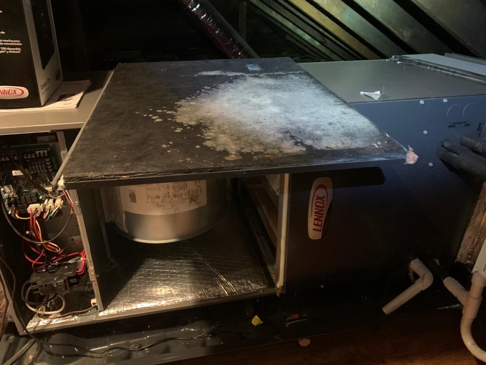 Vinton, VA - Maintenance on lennox air handler in attic in vinton va 24179