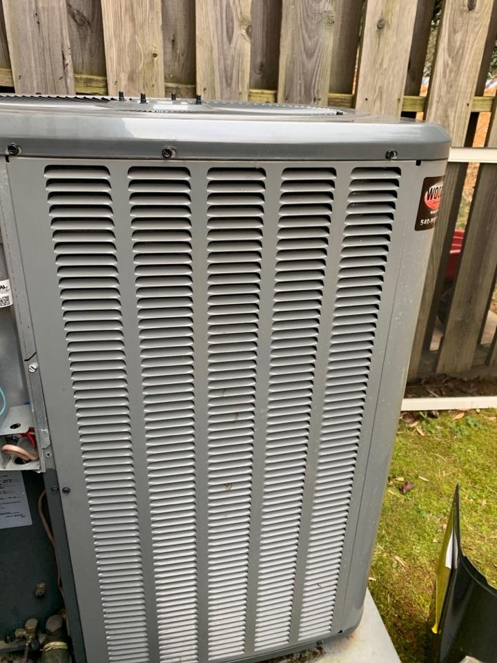 Vinton, VA - Service call Amana heat pump in basement, vinton va 24179